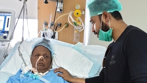 Help This Son Save His Mother's Life Who Is Battling Multiple Diseases In The ICU